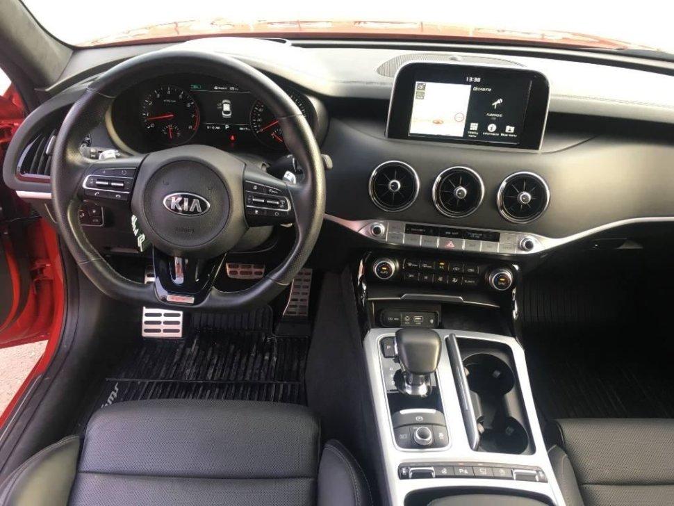 Kia Stinger 3.3 T-GDi AT 4WD GT