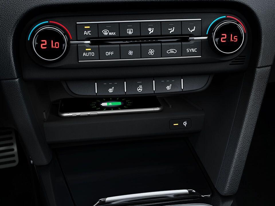 Kia XCeed - bezdrôtové nabíjanie